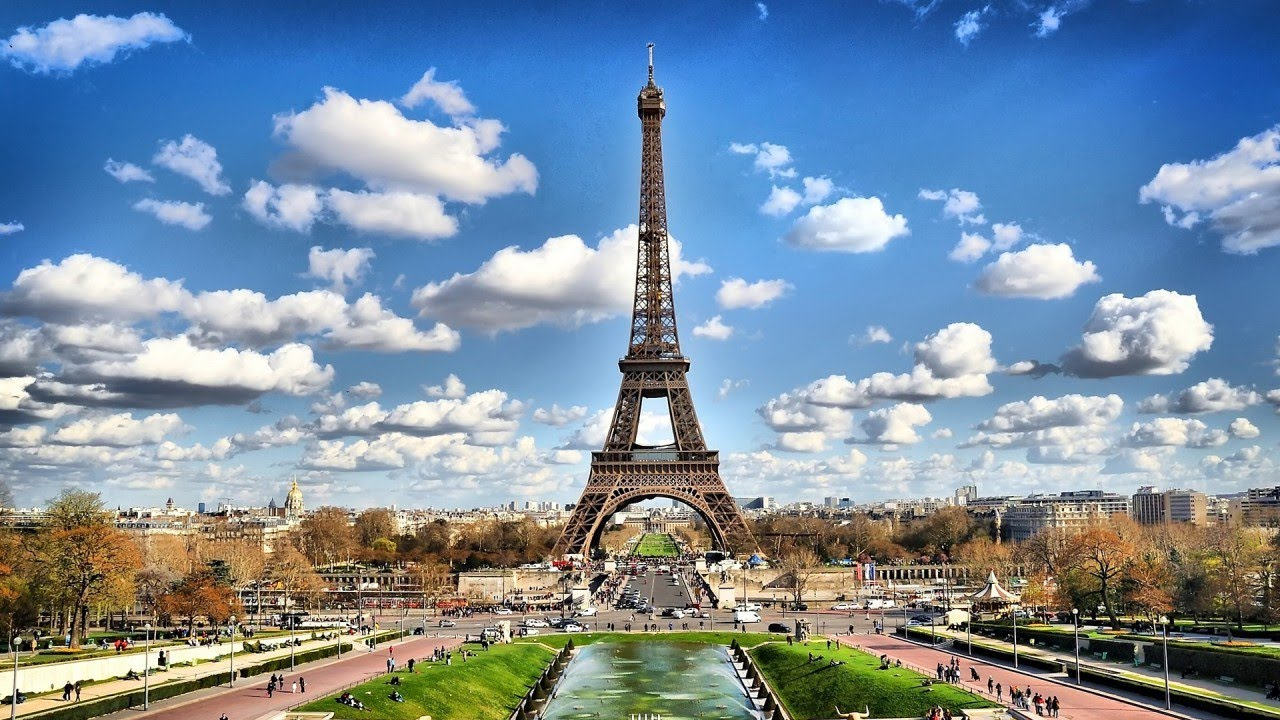 Travel guide to the place of excitement and love France
